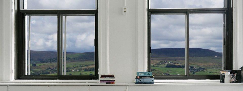 Fenêtre en aluminium noir