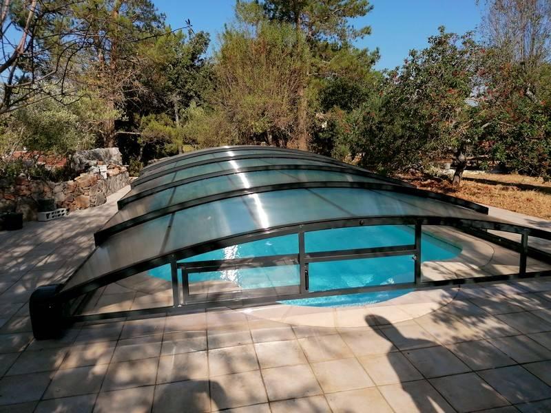 abri piscine gris anthracite